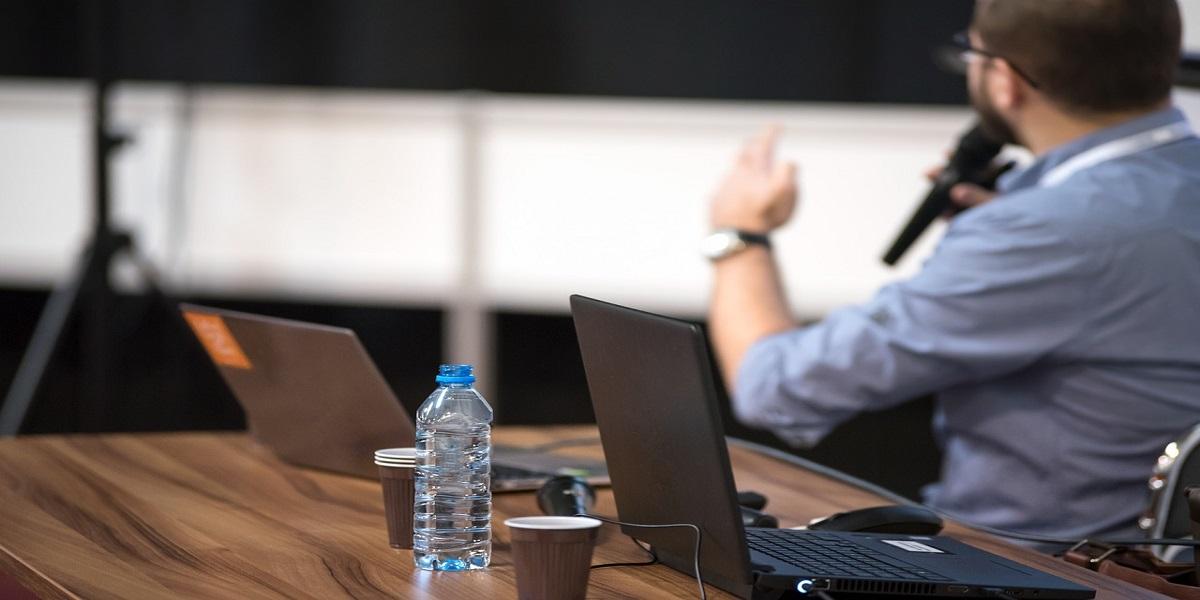 Leadership Theories in HR